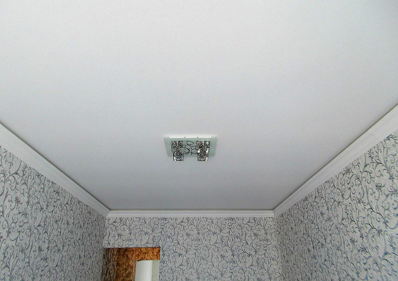 Тканевые натяжные потолки фото для зала